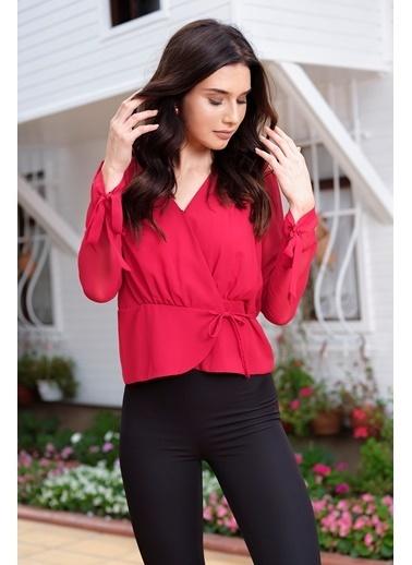 İroni Kruvaze Yan Bağcıklı Bluz Kırmızı